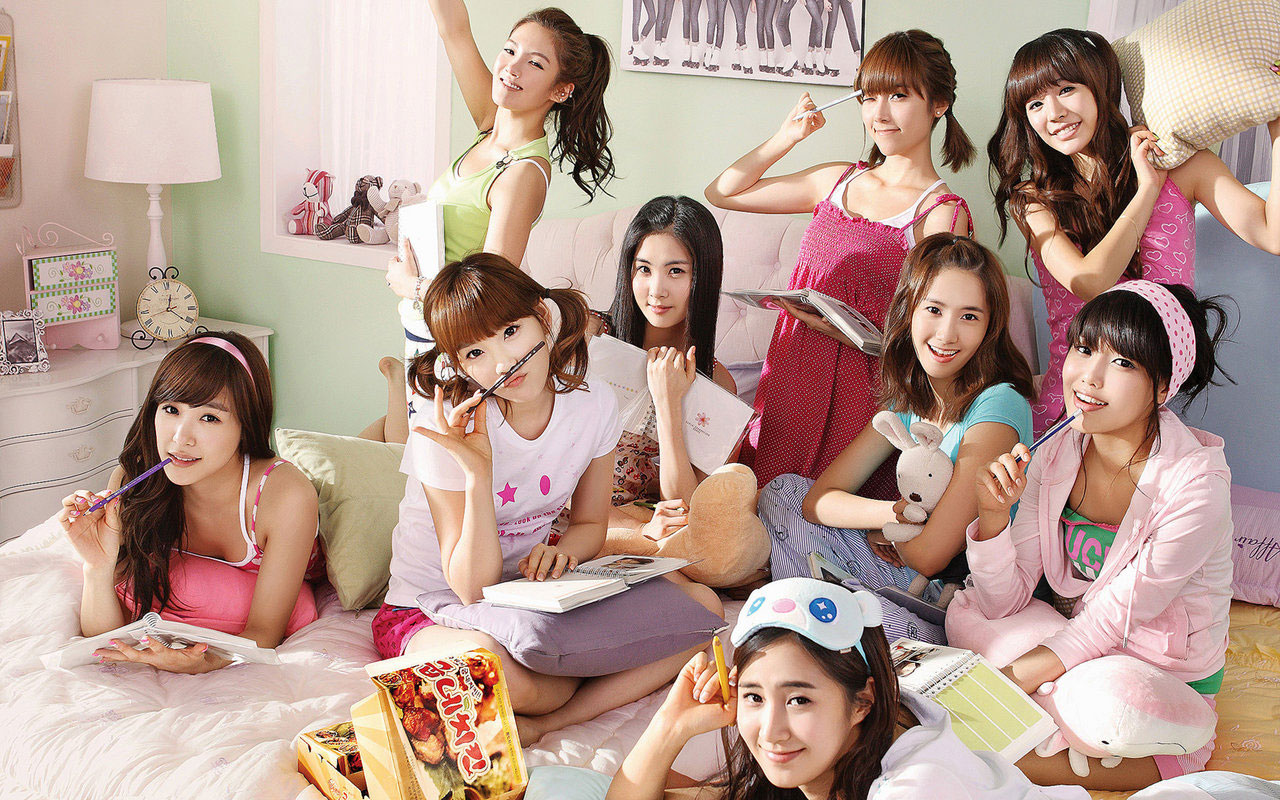 SNSD Goobne Chicken 2009 wallpaper