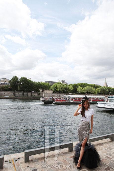 SNSD Yuri W Magazine Paris