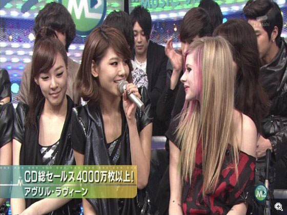 Girls Generation and Avril Lavigne on Music Station Japan