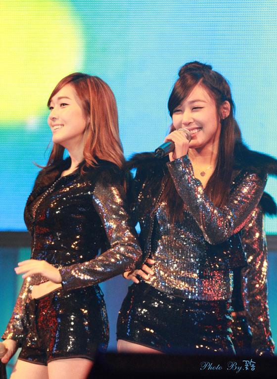 SNSD Jessica and Tiffany LG Dream Festival