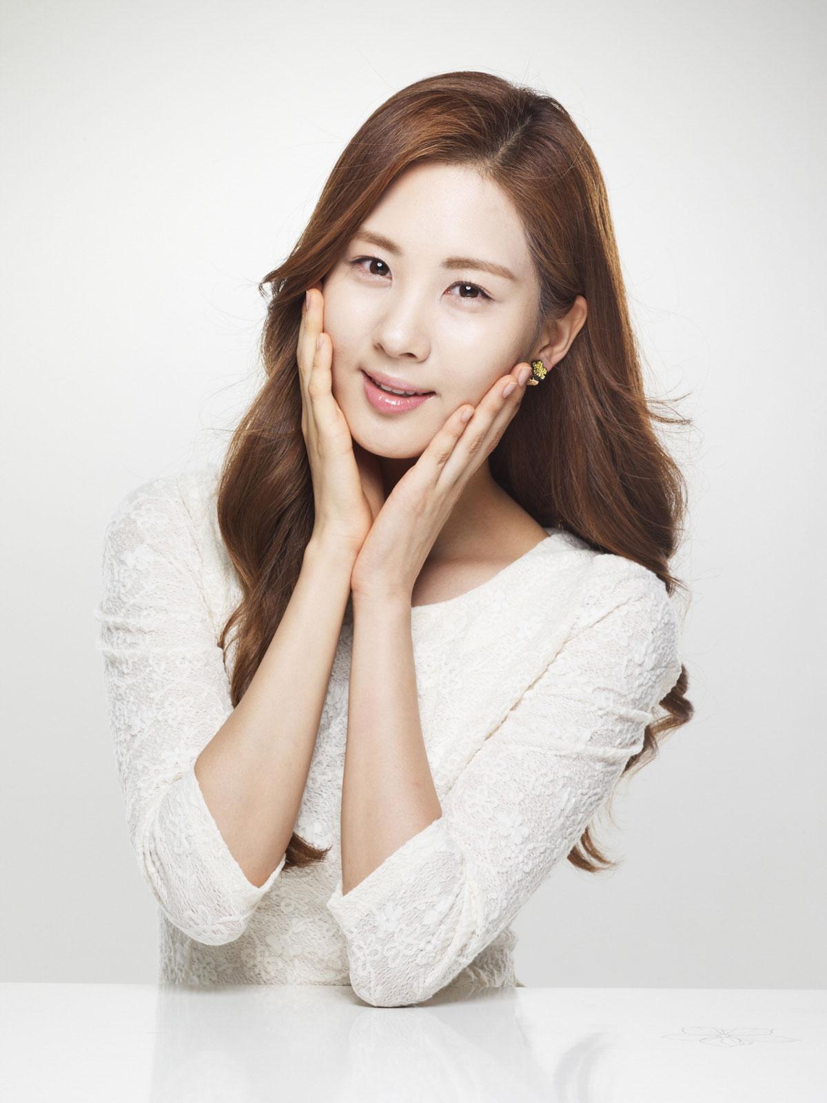 SNSD Seohyun Face Shop Korean skincare and cosmetic