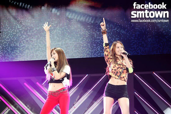 SNSD Jung sisters SMTown Live in Tokyo concert