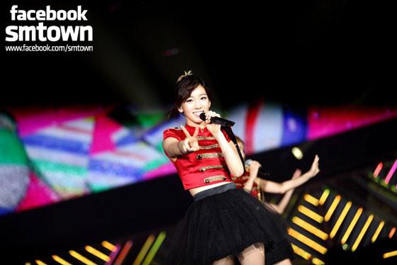 SNSD Taeyeon SMTown Live in Tokyo concert