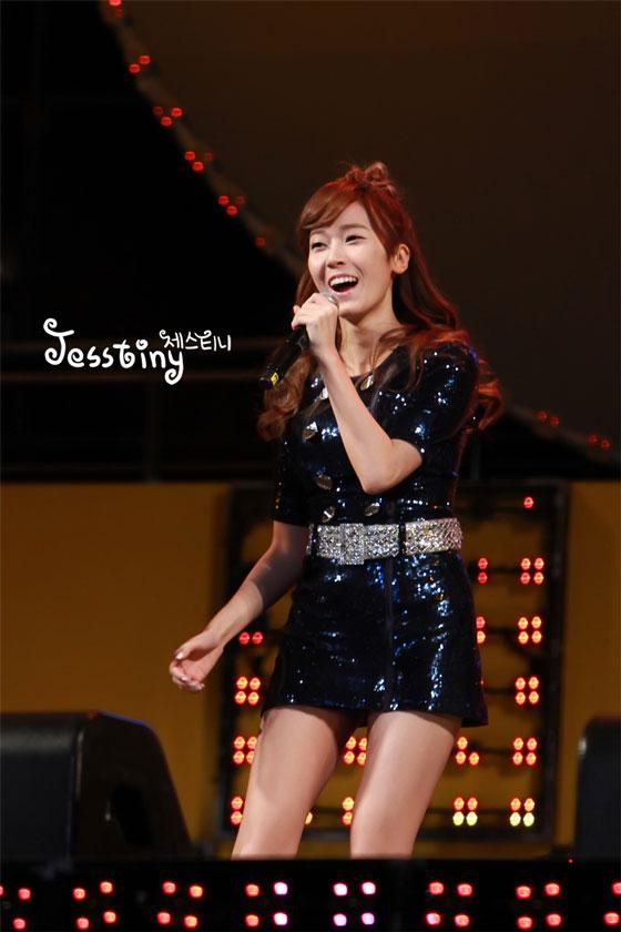 Jessica focus @ TBS Happy Concert 2011