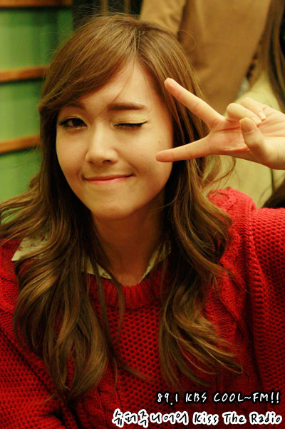 SNSD Jessica Kiss The Radio