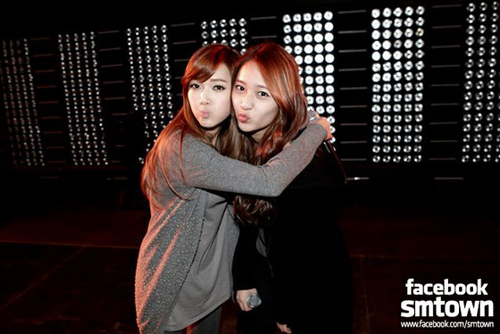Jessica and Krystal SMTown New York rehearsal