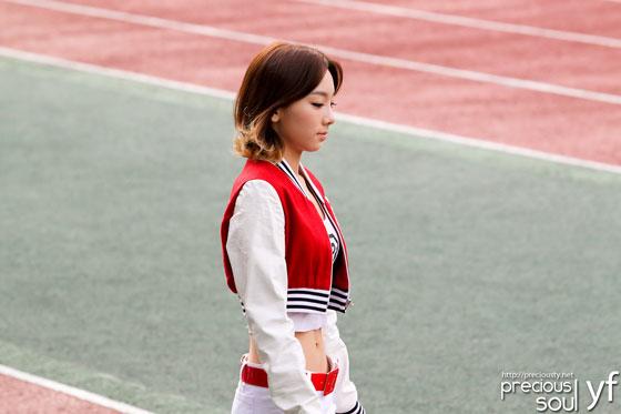 SNSD Taeyeon Busan football