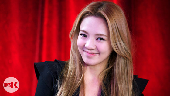 SNSD Hyoyeon MTV Studio in New York