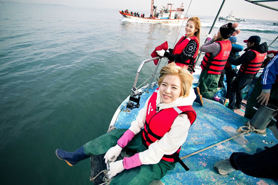 SNSD Sunny and Hyoyeon fishing on Invincible Youth 2