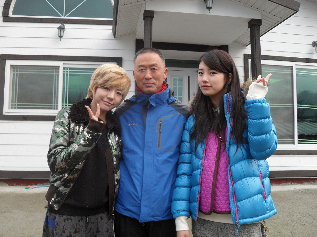 SNSD Sunny and Miss A Suzy Invincible Youth 2