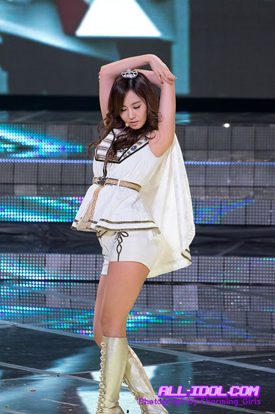 SNSD Yuri KBS Entertainment Awards 2011
