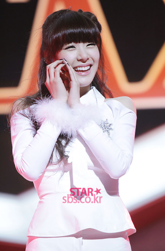 SNSD Tiffany SBS Inkigayo Mr Taxi