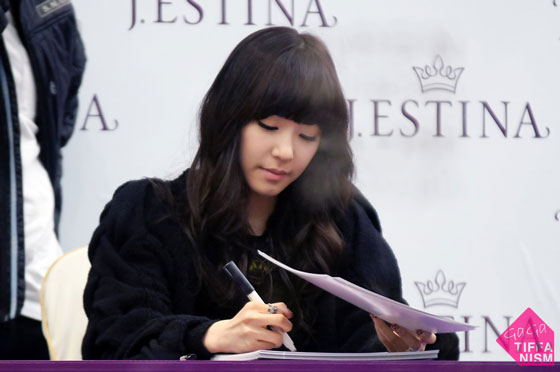 SNSD Tiffany Jestina fan signing
