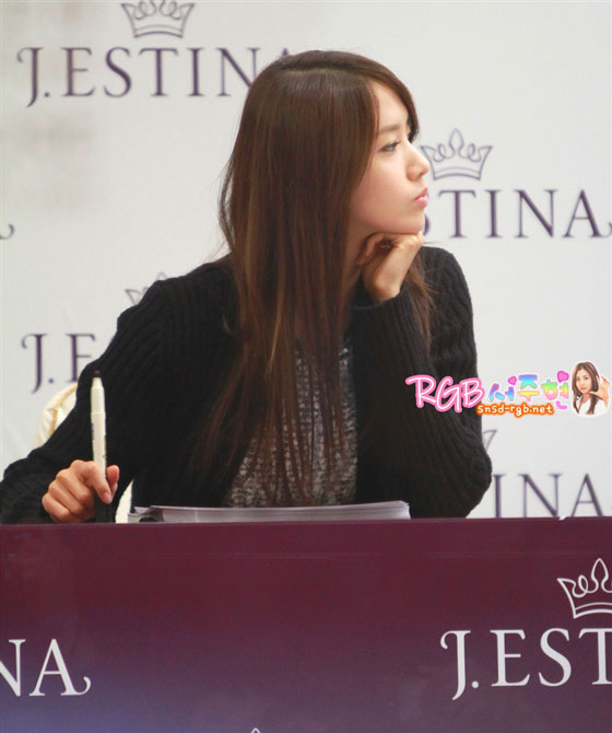 SNSD Yoona Jestina fan signing