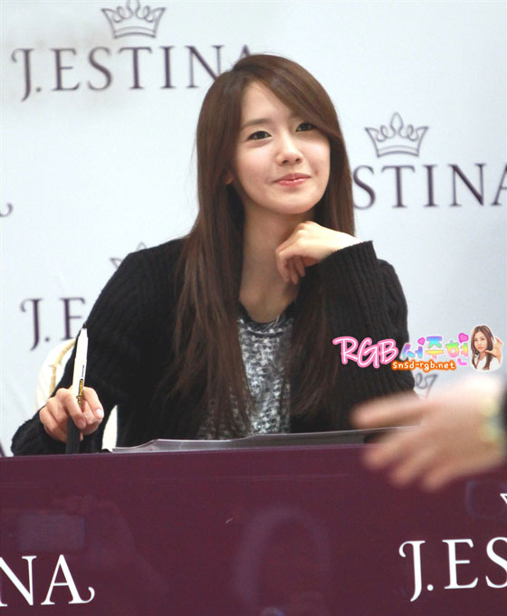 SNSD Yoona Jestina fan signing