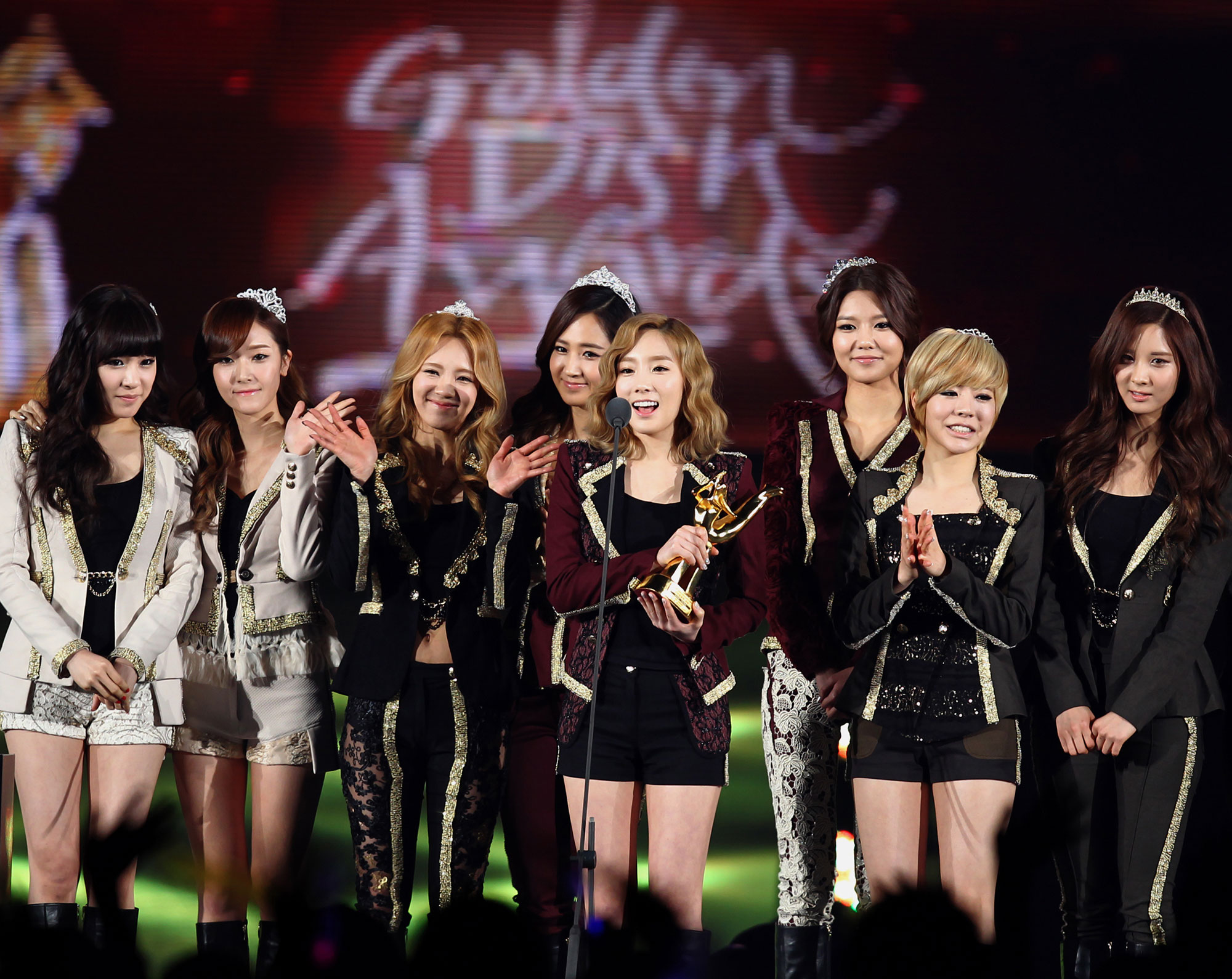 SNSD Golden Disk Awards in Osaka