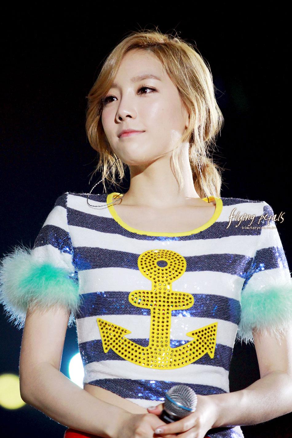 Taeyeon focus @ Hong Kong Concert 2012