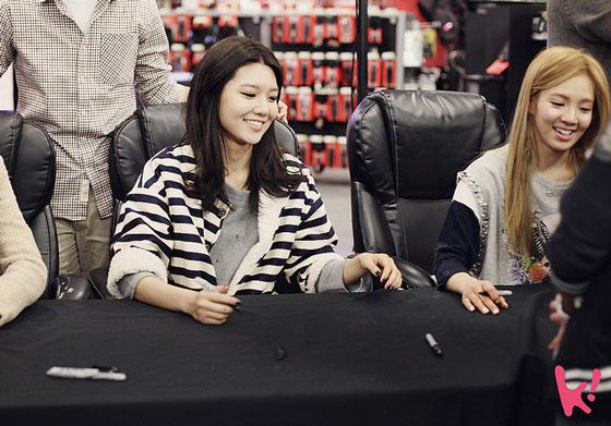 SNSD Sooyoung 2012 New York fan meet
