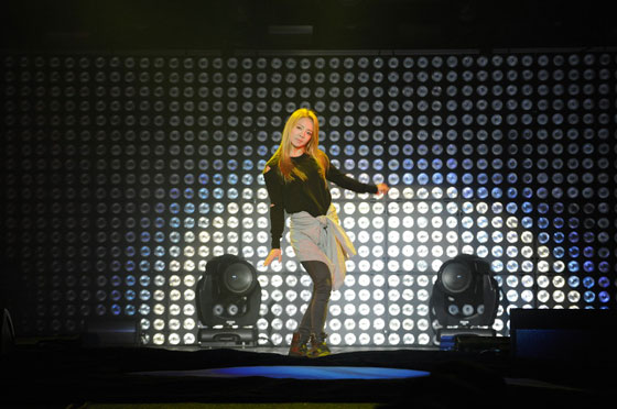 Hyoyeon break dance in France