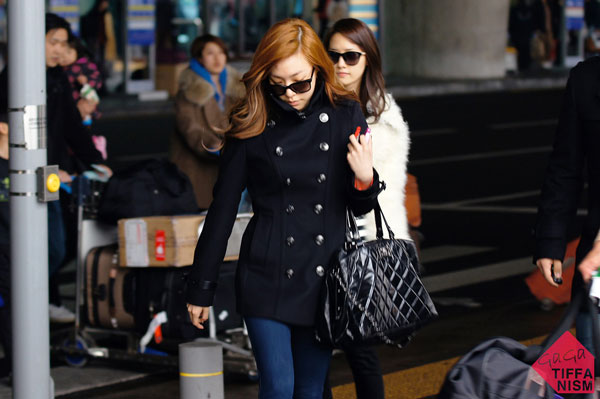 SNSD Tiffany and Yoona Korean Airport