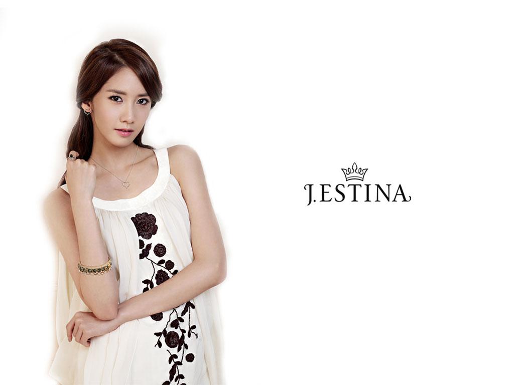 SNSD Hyoyeon Jestina jewelry wallpaper