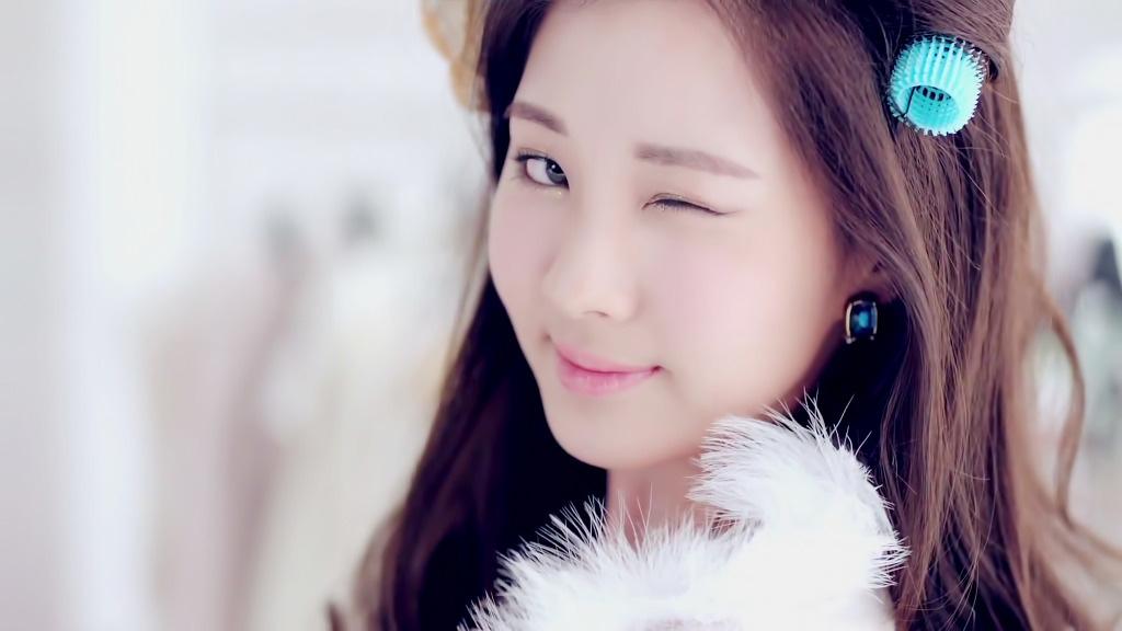 Seohyun Twinkle MV teaser screenshots