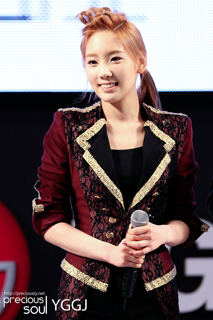 SNSD Taeyeon LG 3D Festival 2012