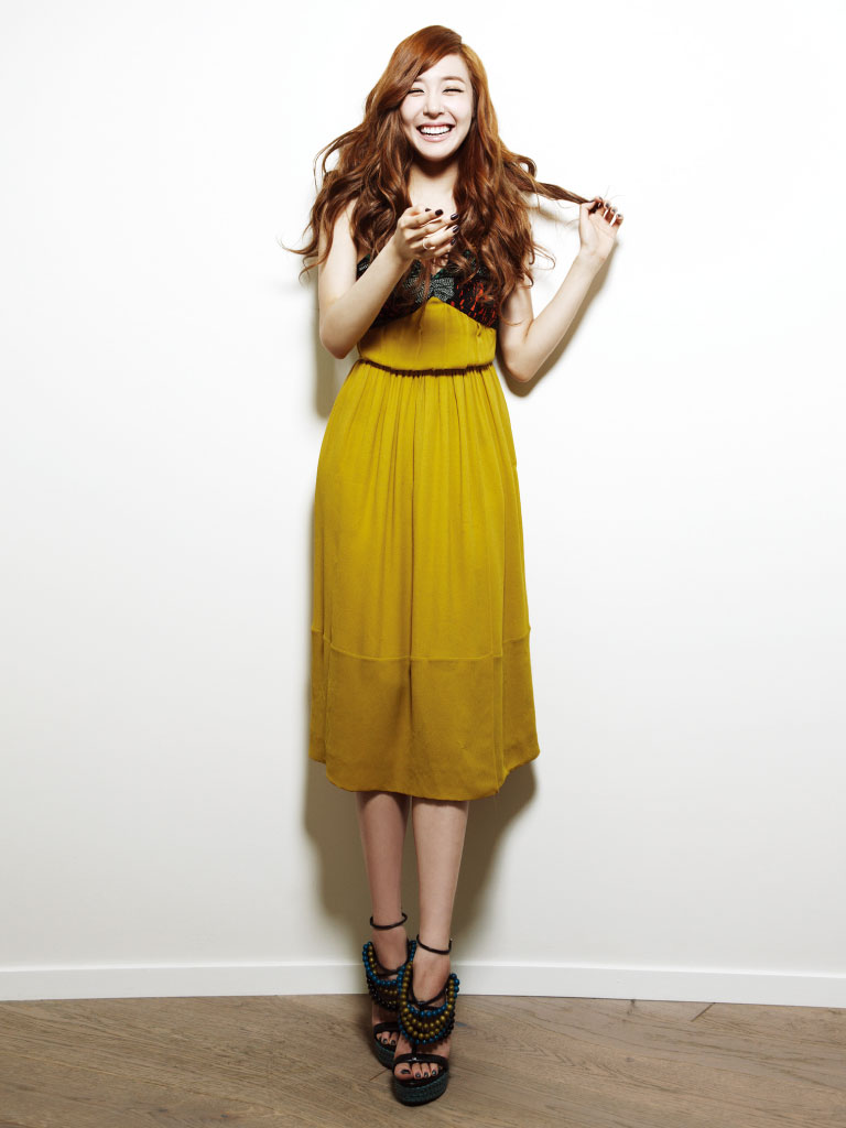 SNSD Tiffany Bazaar Burberry