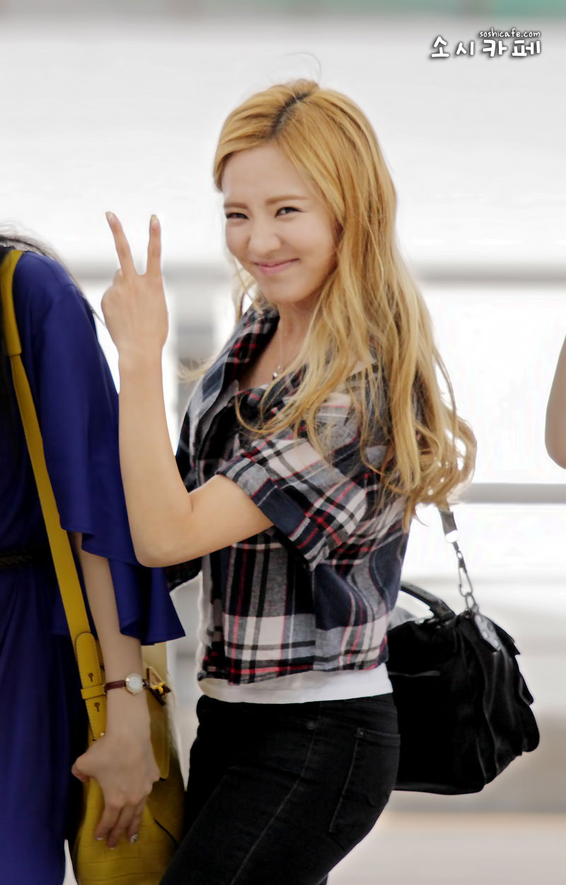 SNSD Hyoyeon Incheon Airport to Los Angeles