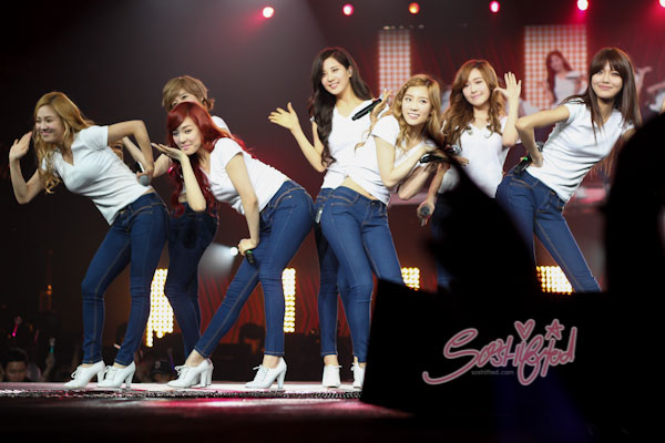 SNSD SMTown Live World Tour 2012