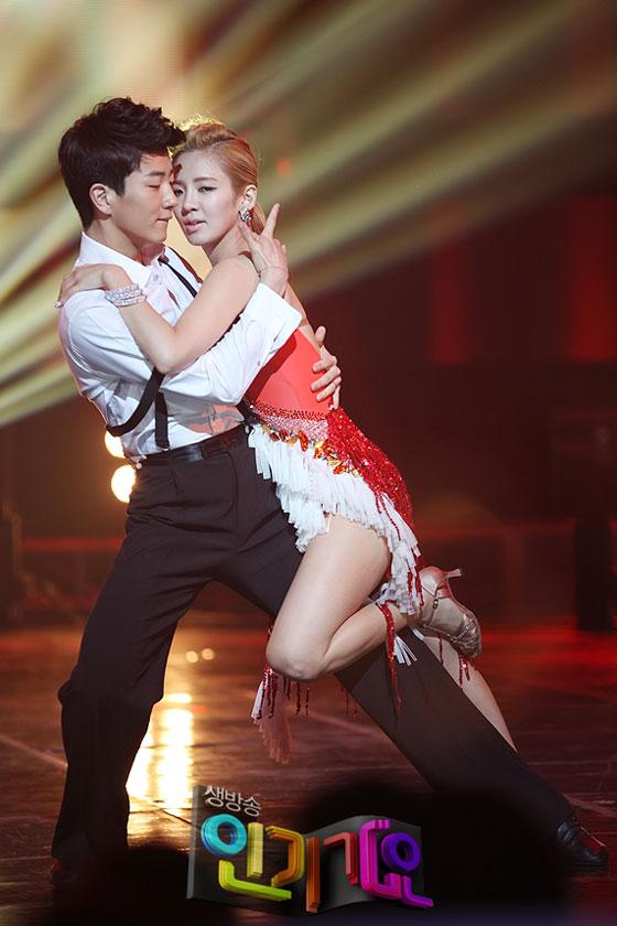 SNSD Hyoyeon SBS Inkigayo dance performance