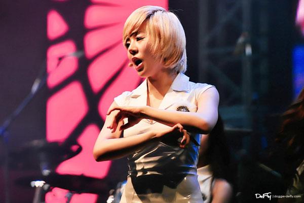SNSD Sunny Kuala Lumpur Twin Towers Alive Concert