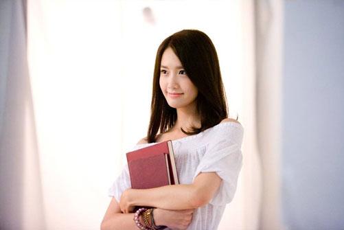 Yoona CIBA Vision Freshlook contact lens
