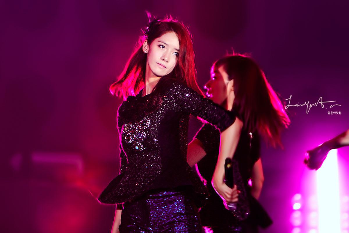 yoona @ yeosu expo concert 2012 Yoona-yeosu-concert-3