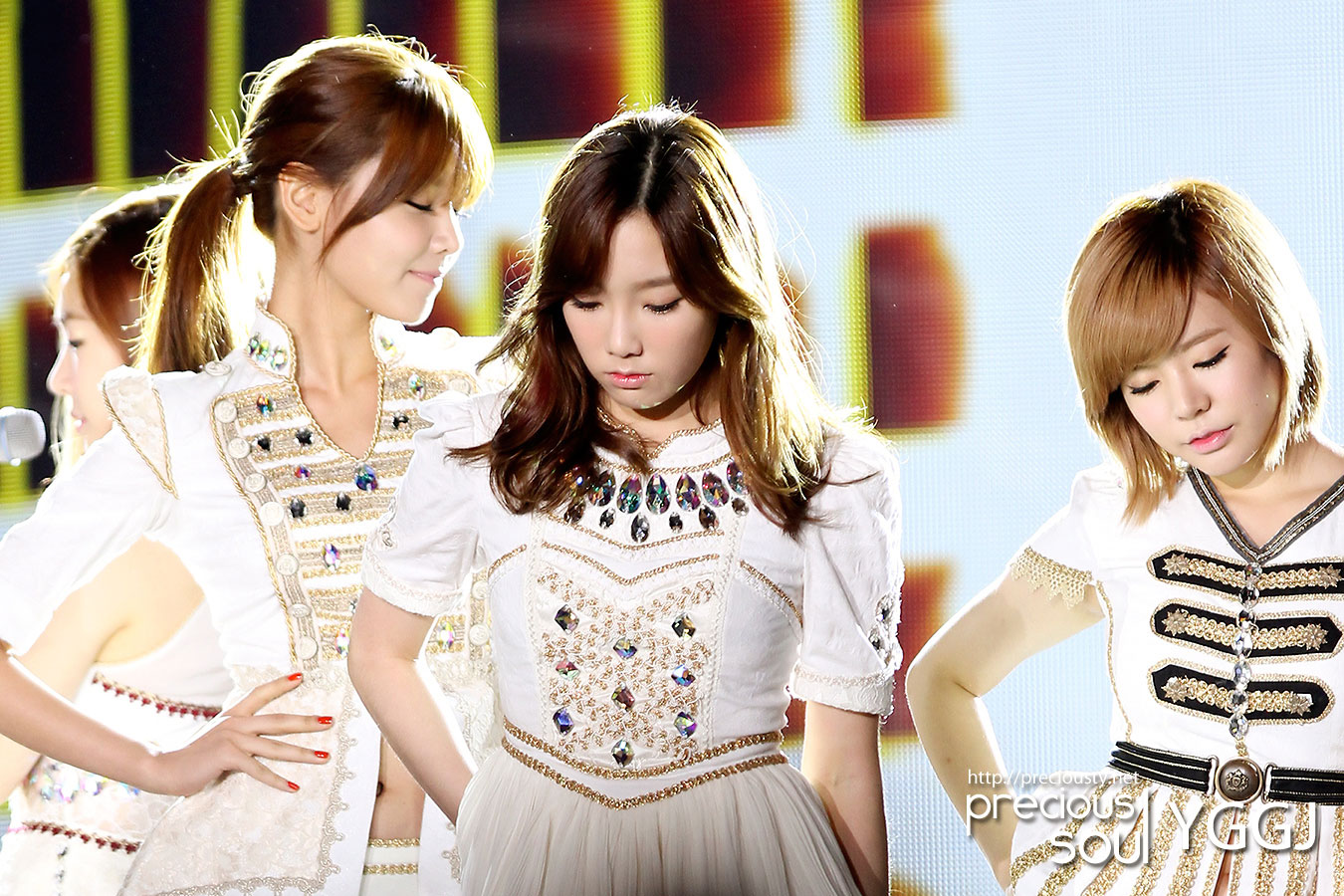Taeyeon @ Korea-China Music Festival 2012