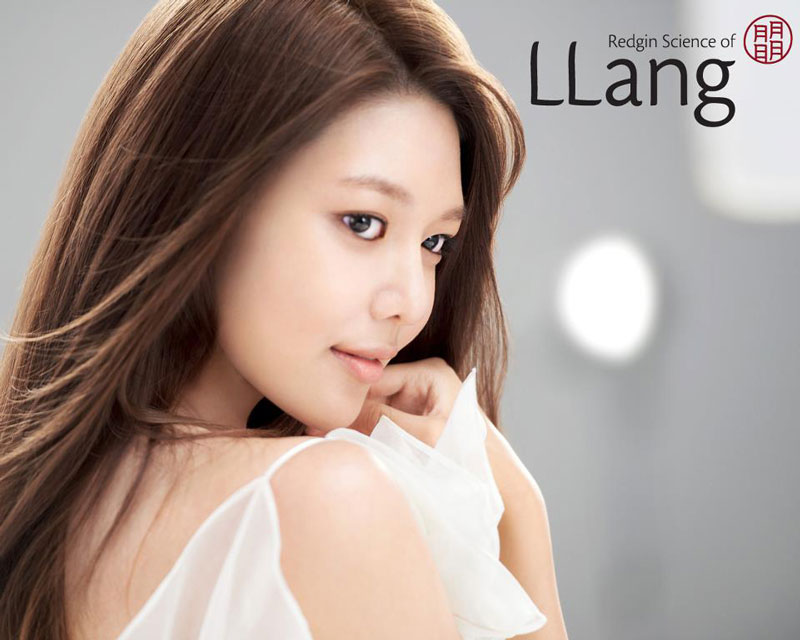 SNSD Sooyoung LLang cosmetic promotional photo