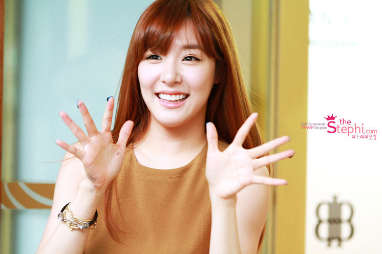SNSD Tiffany Bean Pole event