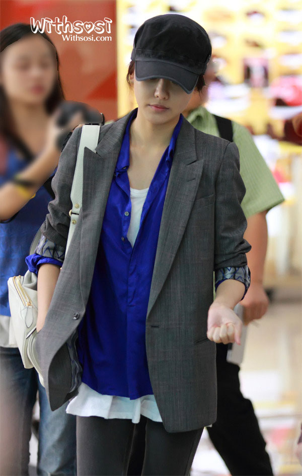 Gimpo Airport from Japan 121003