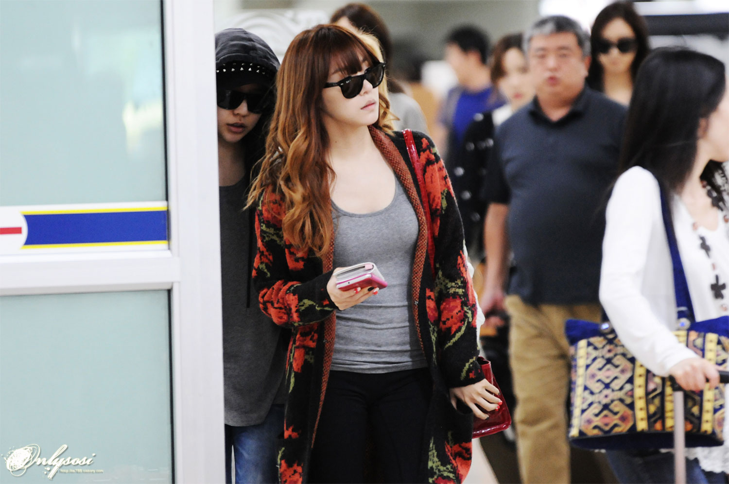 Tiffany @ Gimpo Airport from Japan 121006