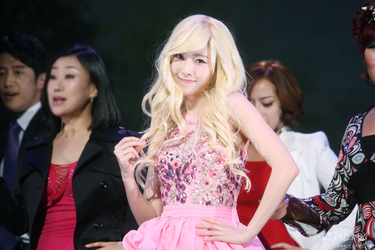 SNSD Jessica Legally Blonde
