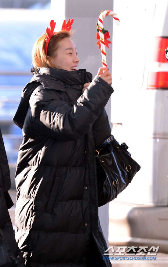 Snsd Taeyeon Incheon Airport Christmas fashion