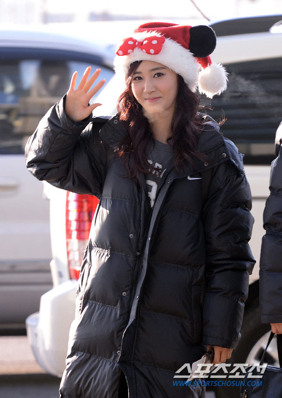 Snsd Yuri Incheon Airport Christmas fashion