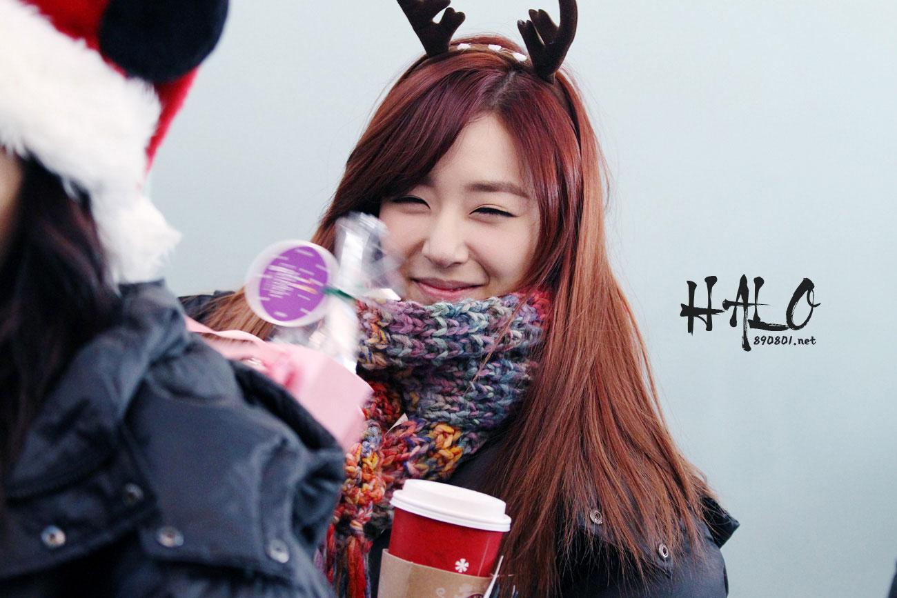 Snsd Tiffany airport Christmas fashion