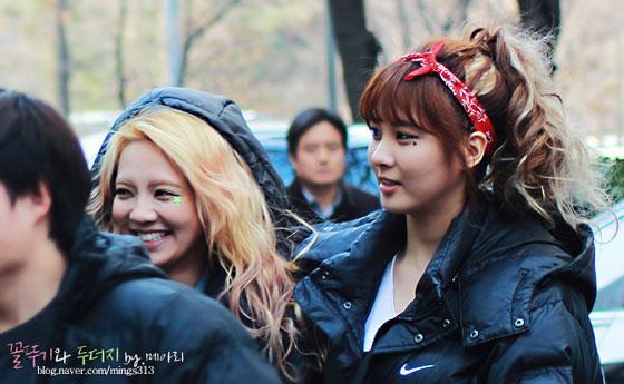 Snsd Hyoyeon Seohyun Music Bank