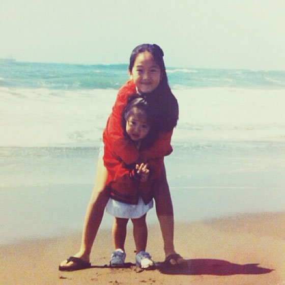 SNSD Jessica fx Krystal childhood photo