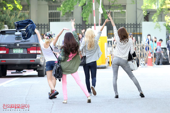 SNSD epic candid picture