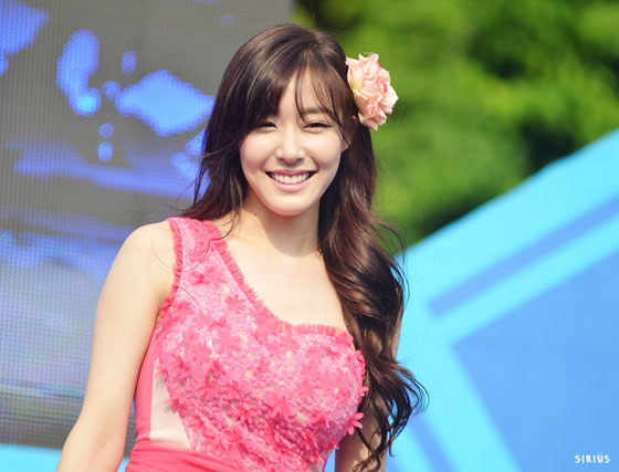 SNSD Tiffany Kyungbock High School Festival 2013