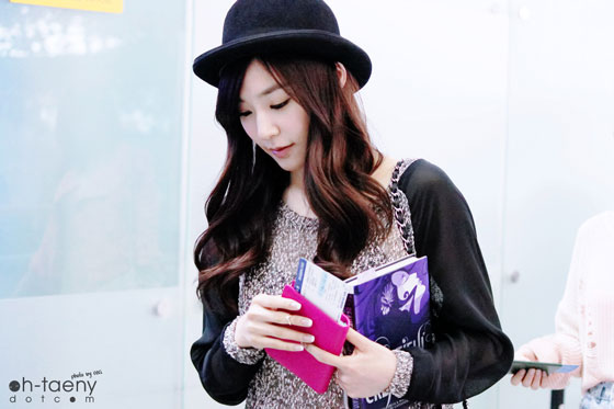SNSD Tiffany Incheon Airport see through fashion