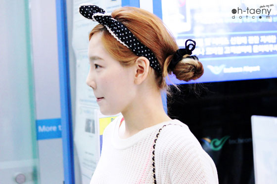 SNSD Taeyeon Incheon Airport see through fashion