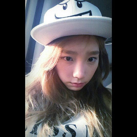 SNSD Taeyeon adorable Instagram selca